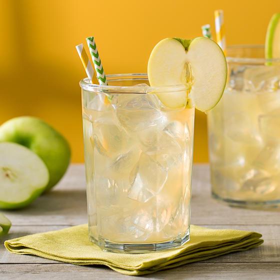 Recette de Jim Beam Crisp Apple Ade   Recette de mixed drink à base de bourbon   Cocktails